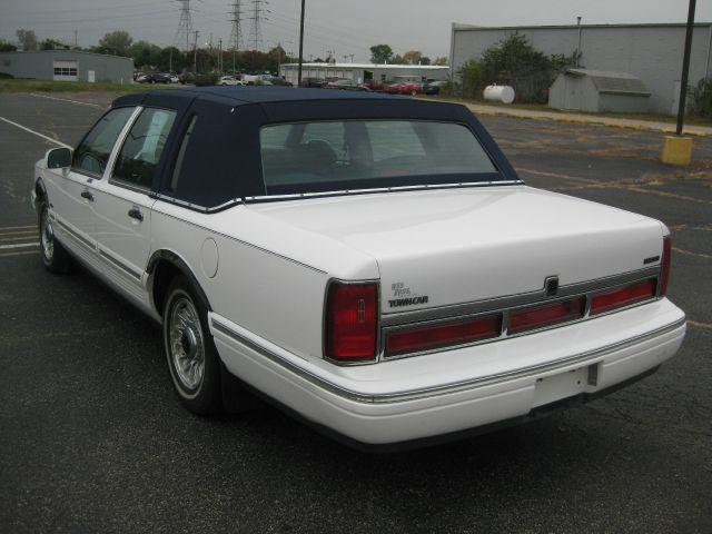 1997 Lincoln Town Car Executive - Pekin IL