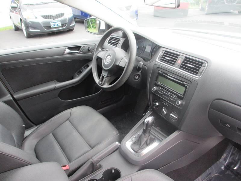 2011 Volkswagen Jetta SE PZEV 4dr Sedan 6A - Concord NH