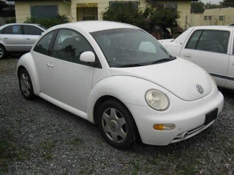 1998 Volkswagen Beetle for sale at MIDLAND MOTORS LLC in Tacoma WA