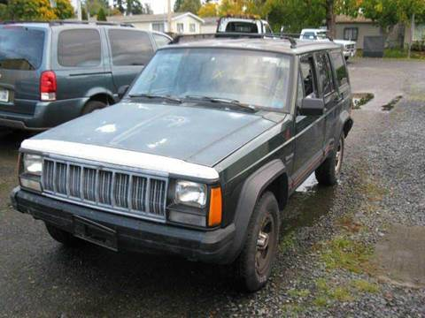 1996 Jeep Cherokee for sale at MIDLAND MOTORS LLC in Tacoma WA