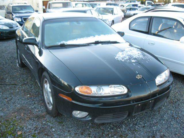 2002 Oldsmobile Aurora for sale at MIDLAND MOTORS LLC in Tacoma WA