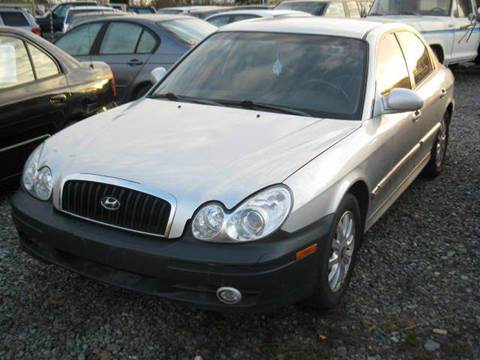 2004 Hyundai Sonata for sale at MIDLAND MOTORS LLC in Tacoma WA