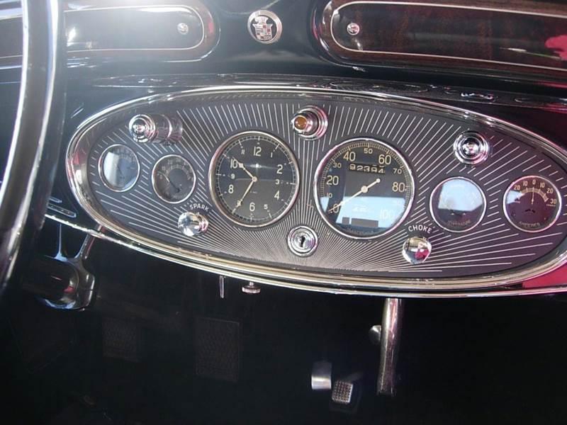 1931 Cadillac Convertible 11