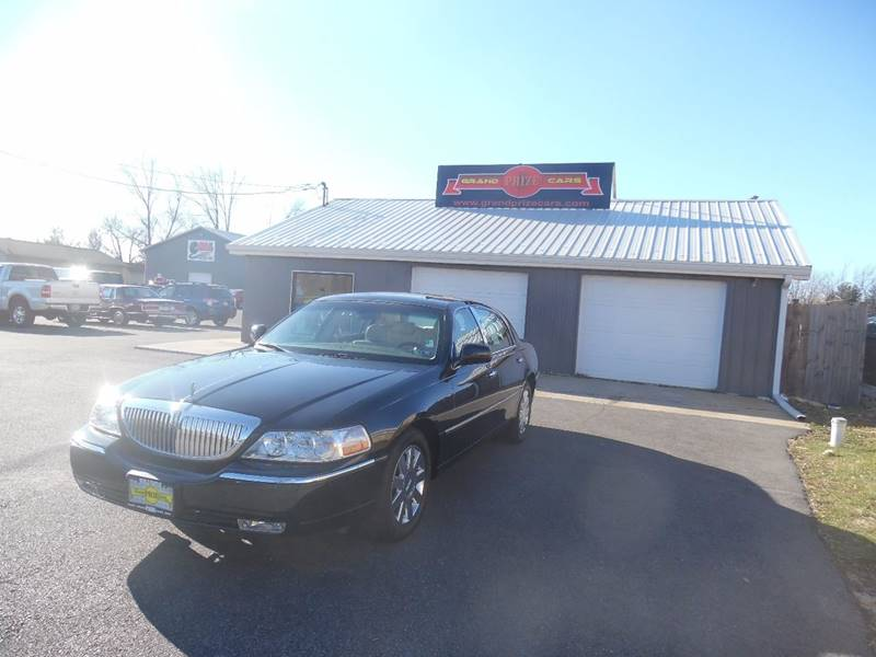 2007 Lincoln Town Car Designer Series In Cedar Lake In Grand