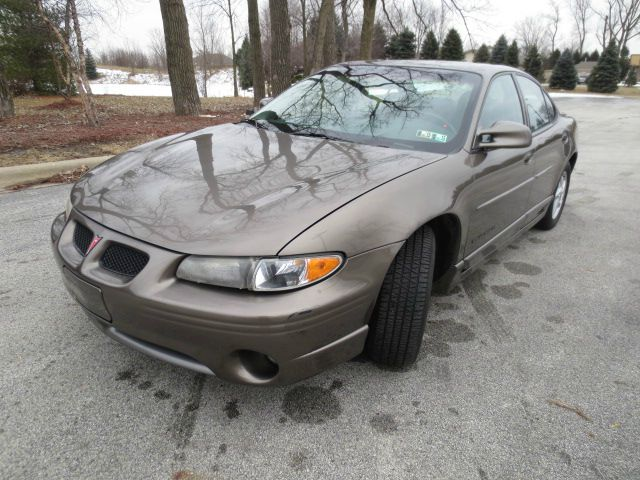 2000 pontiac grand prix gt 4dr sedan in cedar lake in grand prize cars. Black Bedroom Furniture Sets. Home Design Ideas