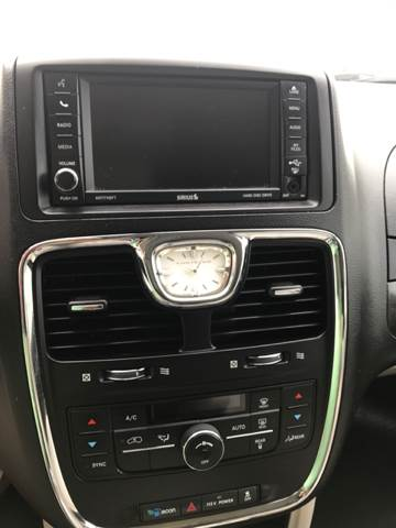 2013 Chrysler Town and Country Touring 4dr Mini-Van - Jackson MO