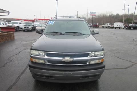 2005 Chevrolet Tahoe for sale at Burgess Motors Inc in Michigan City IN