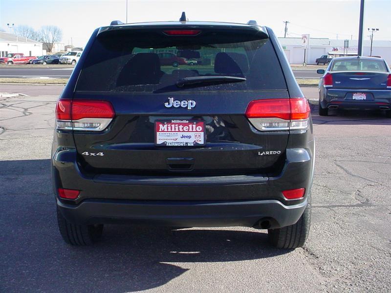 2015 Jeep Grand Cherokee Laredo 4x4 4dr SUV