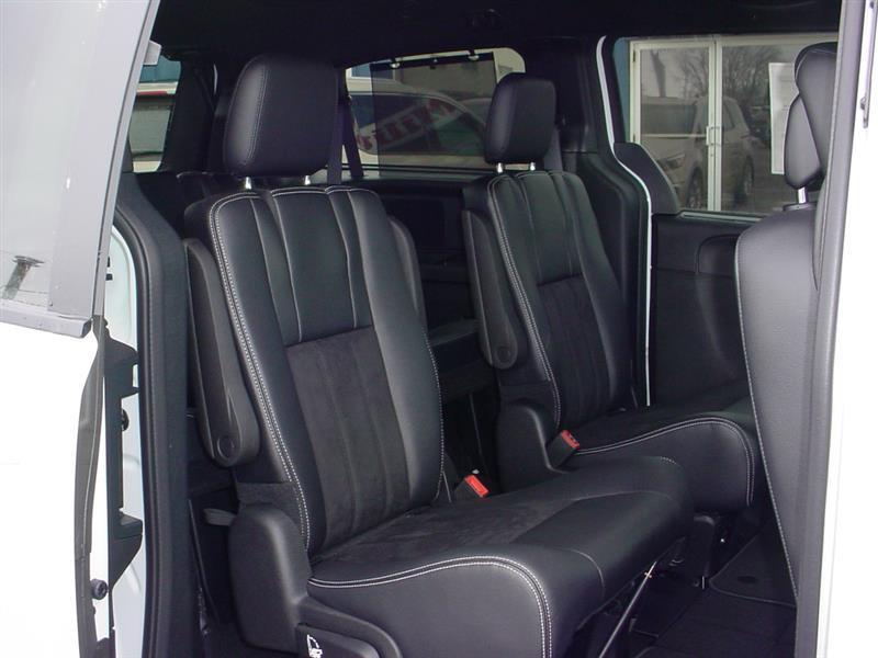 2016 Dodge Grand Caravan SXT 4dr Mini Van