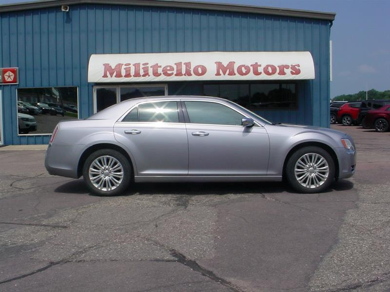 2014 Chrysler 300 C AWD 4dr Sedan