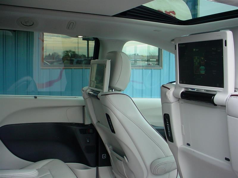 2017 Chrysler Pacifica Limited 4dr Mini Van