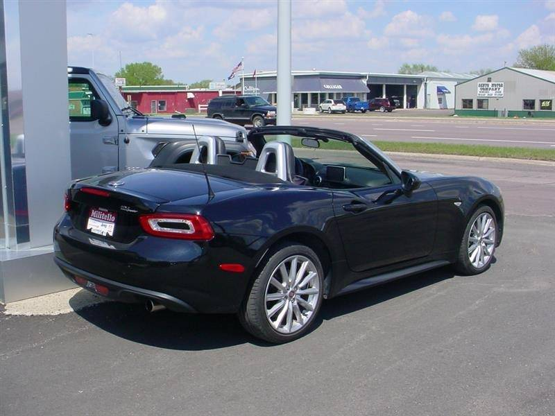 2017 Fiat 124 Spider Lusso 2dr Convertible