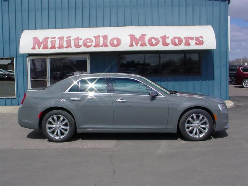 2018 Chrysler 300 Limited AWD 4dr Sedan