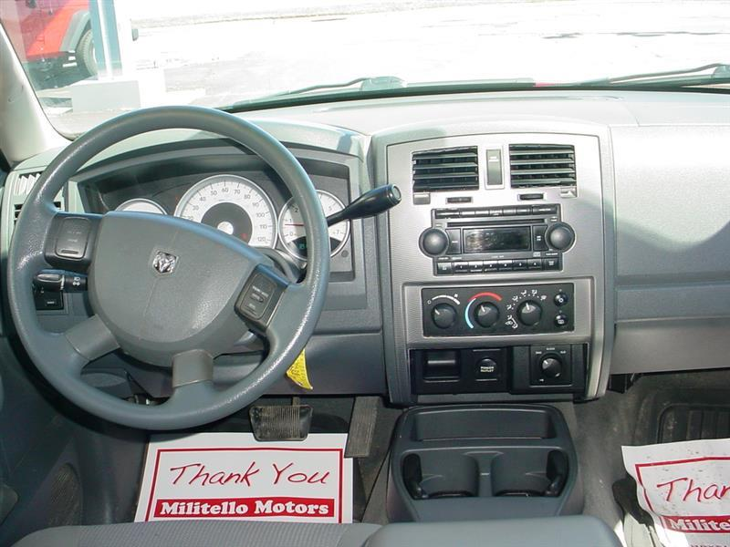 2006 Dodge Dakota SLT 4dr Quad Cab 4WD SB