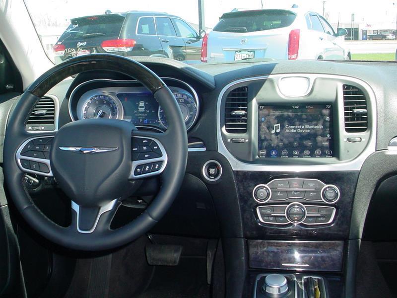 2018 Chrysler 300 Limited AWD 4dr Sedan