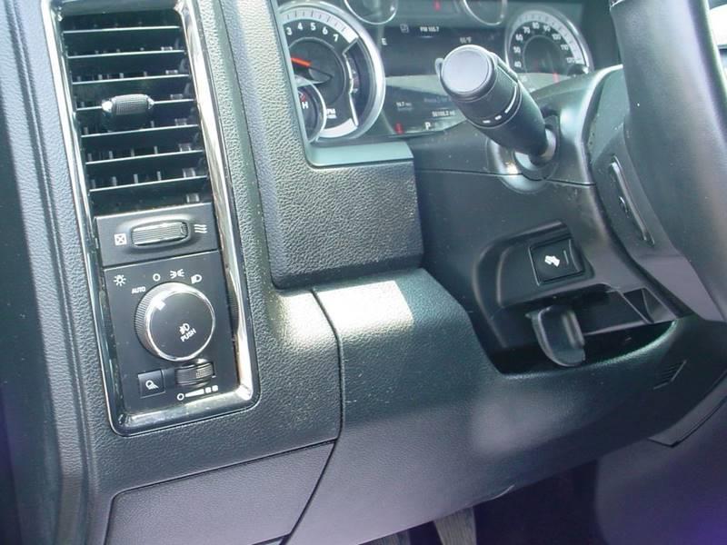 2016 Ram Pickup 1500 Sport 4x4 4dr Crew Cab 5.5 ft. SB Pickup