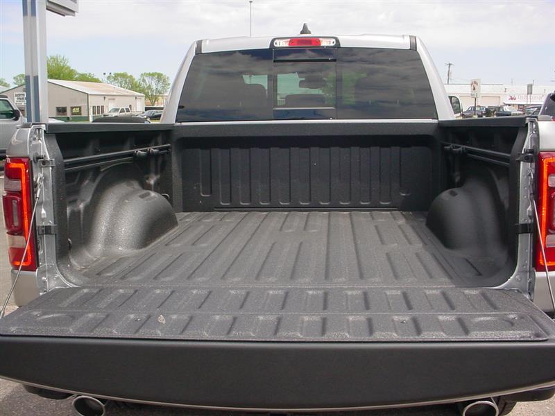 2019 RAM 1500 LARAMIE CREW CAB 4X4 6