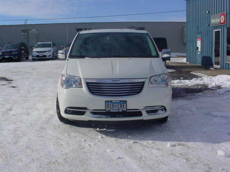 2013 Chrysler Town and Country Touring L 4dr Mini Van