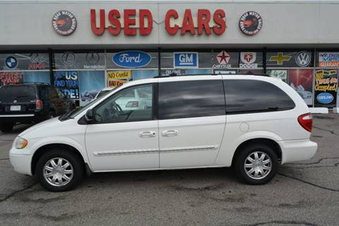 2005 Chrysler Town and Country for sale in Dearborn, MI