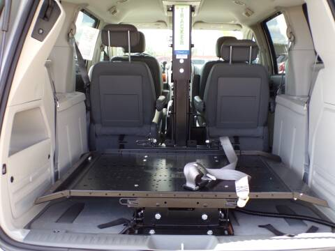 2009 Chrysler Town and Country for sale at Ford Road Motor Sales in Dearborn MI
