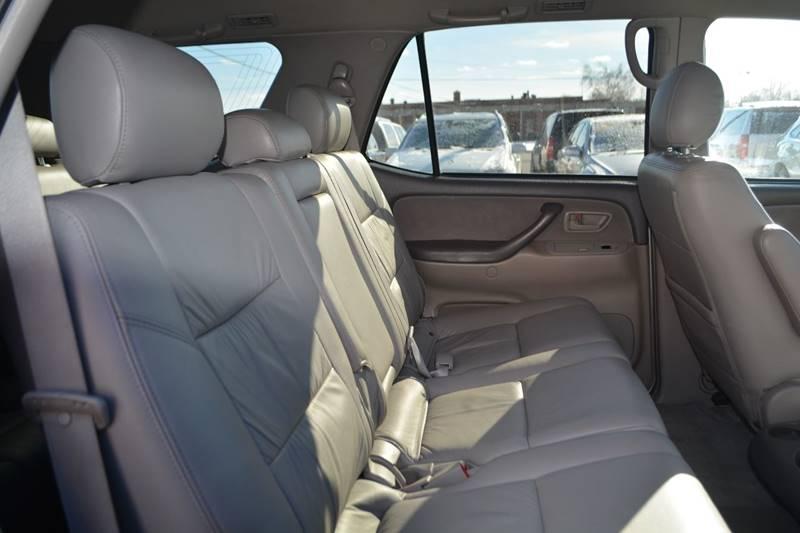 2007 Toyota Sequoia SR5 4dr SUV 4WD - Dearborn MI