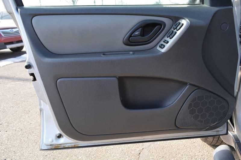 2005 Ford Escape AWD XLT 4dr SUV - Dearborn MI