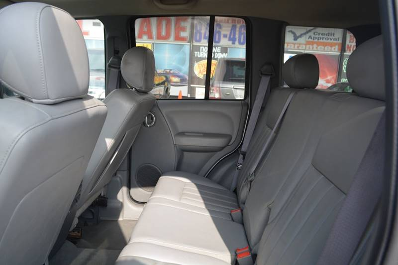 2006 Jeep Liberty Limited 4dr SUV 4WD - Dearborn MI