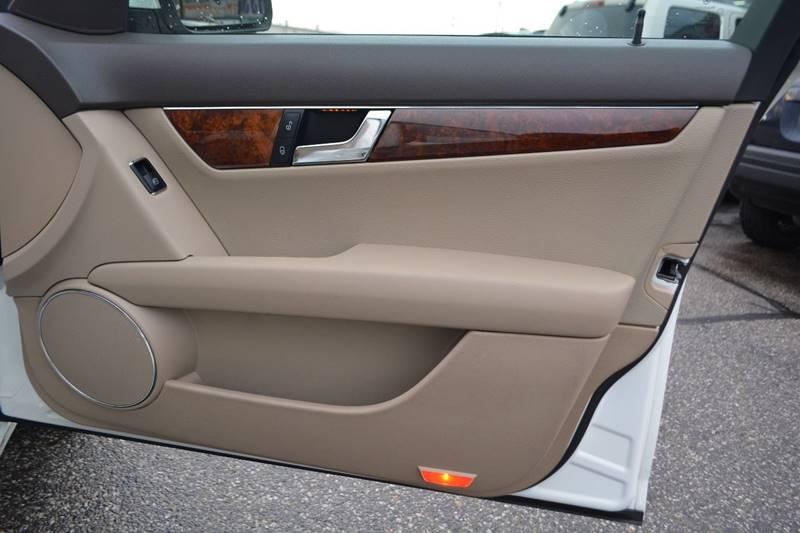 2009 Mercedes-Benz C-Class AWD C 300 Luxury 4MATIC 4dr Sedan - Dearborn MI