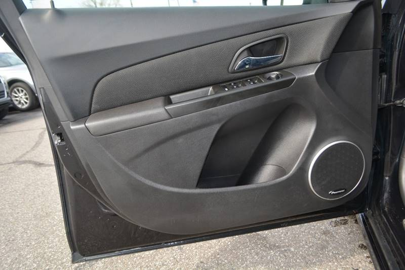 2013 Chevrolet Cruze 1LT Auto 4dr Sedan w/1SD - Dearborn MI
