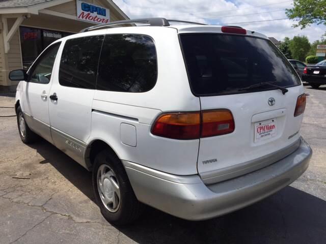 1999 Toyota Sienna 4dr XLE Mini-Van - Elgin IL