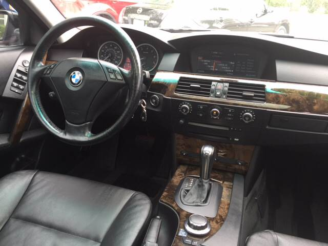 2006 BMW 5 Series AWD 530xi 4dr Sedan - Elgin IL