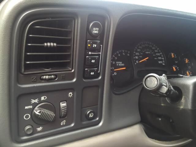 2004 Chevrolet Tahoe LT 4WD 4dr SUV - Elgin IL