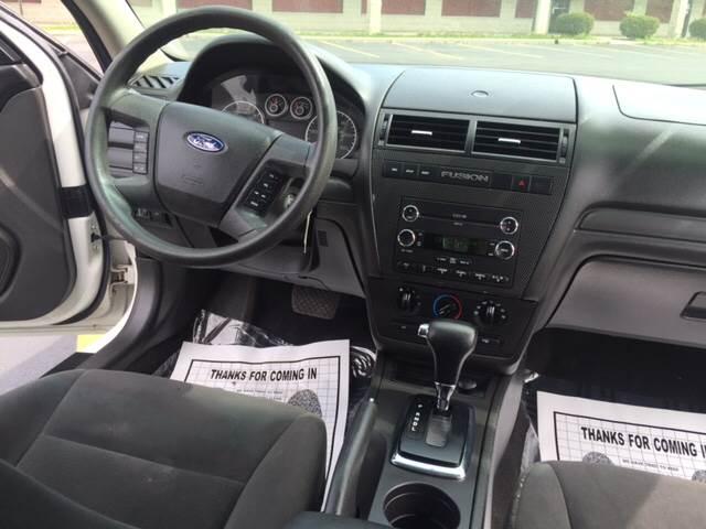 2008 Ford Fusion I4 SE 4dr Sedan - Elgin IL