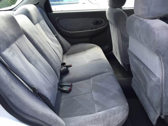 2002 Kia Spectra LS 4dr Sedan - South Elgin IL