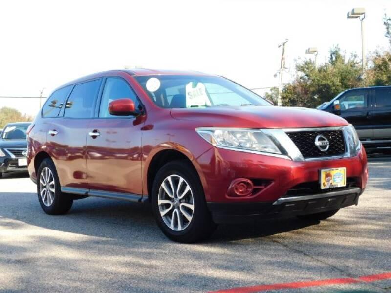 2014 Nissan Pathfinder for sale at Shore Drive Auto World in Virginia Beach VA