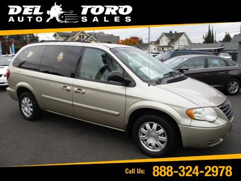 2005 Chrysler Town and Country for sale in Auburn, WA