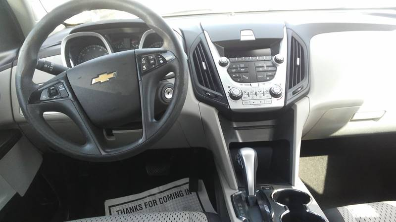 2014 Chevrolet Equinox LS (image 6)