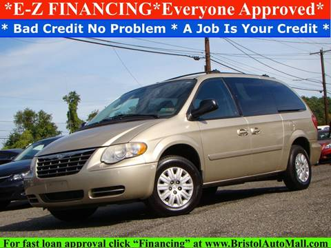 2005 Chrysler Town and Country for sale in Levittown, PA