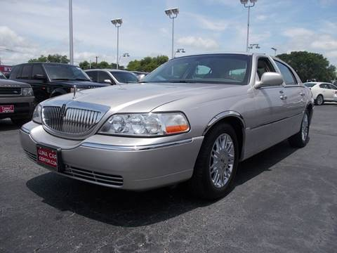 2010 Lincoln Town Car for sale at LUNA CAR CENTER in San Antonio TX
