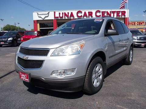 2009 Chevrolet Traverse for sale at LUNA CAR CENTER in San Antonio TX