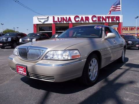 2011 Lincoln Town Car for sale at LUNA CAR CENTER in San Antonio TX