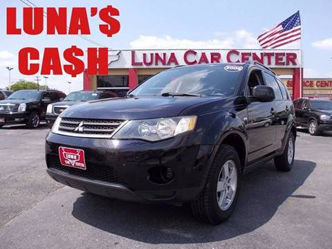 2008 Mitsubishi Outlander for sale at LUNA CAR CENTER in San Antonio TX