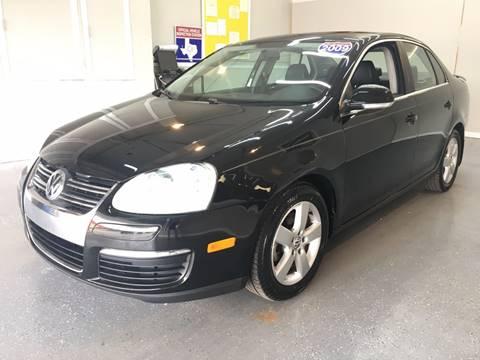 2009 Volkswagen Jetta for sale at LUNA CAR CENTER in San Antonio TX