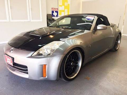 2006 Nissan 350Z for sale at LUNA CAR CENTER in San Antonio TX