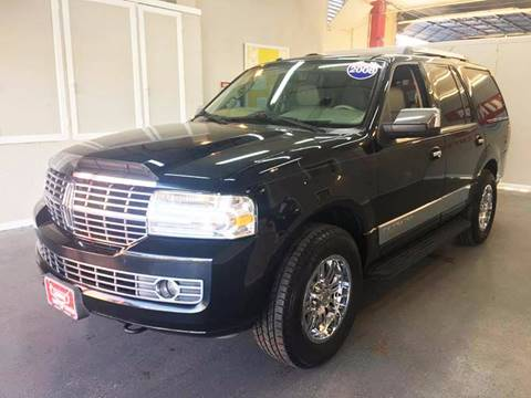 2008 Lincoln Navigator for sale at LUNA CAR CENTER in San Antonio TX