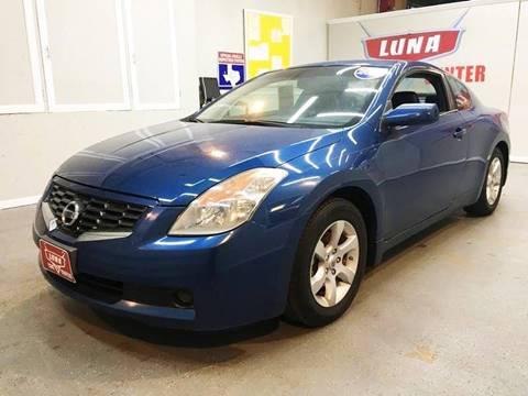 2009 Nissan Altima for sale at LUNA CAR CENTER in San Antonio TX