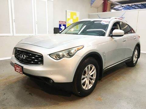 2009 Infiniti FX35 for sale at LUNA CAR CENTER in San Antonio TX