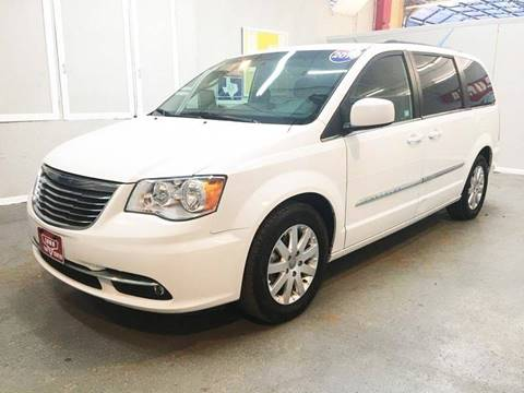 2016 Chrysler Town and Country for sale at LUNA CAR CENTER in San Antonio TX