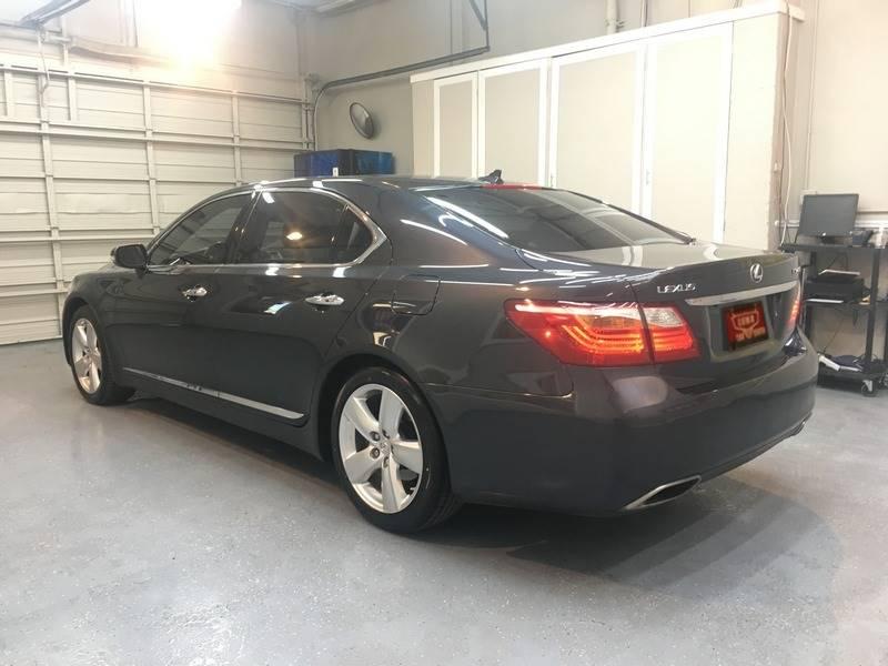 https://cdn04.carsforsale.com/3/403713/19193131/1044279386.jpg