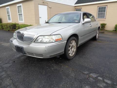 2007 Lincoln Town Car for sale at Liberty Motors in Chesapeake VA